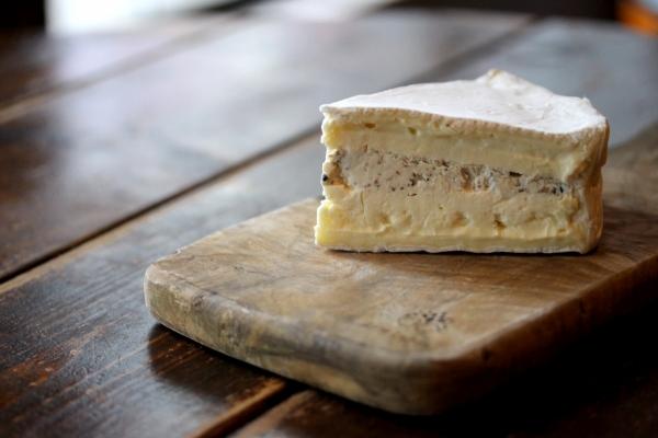 神田65チーズ「デュオ・ドゥ・ブリー・トリュフ」