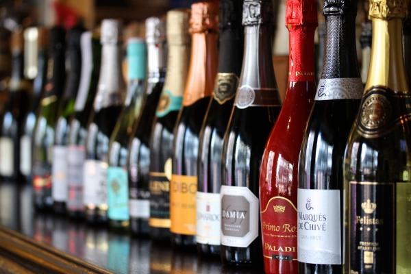 神田65スパークリングワイン