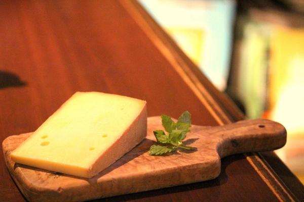 神田65チーズ「Appenzeller」