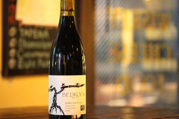神田65ワイン「BEDROCK Griffin's Lair Vineyard 2013:ベドロック」