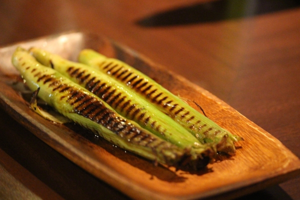 神田65料理 「皮ごとヤングコーンのグリル」