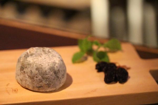 神田65チーズ「クロタン・ドゥ・シャヴィニョル」