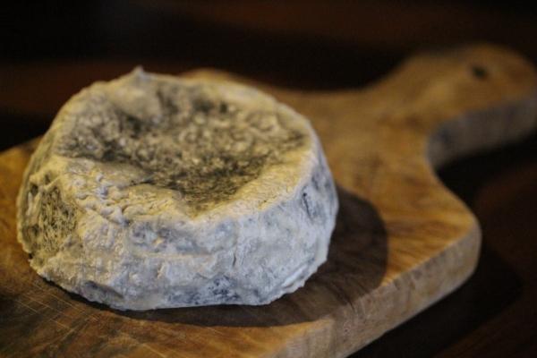 神田65チーズ「ロンド・ド・ラ・ヴァレ・デュ・シェール」