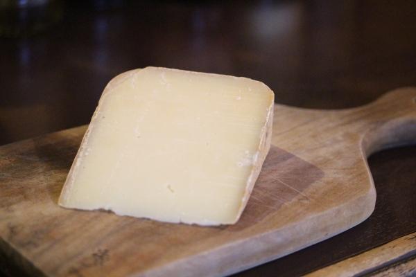 神田65チーズ「オッソイラティAOP」