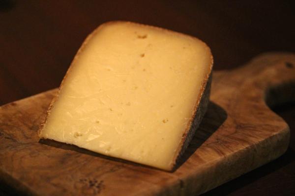 神田65チーズ「アベイ・ド・ベロック」