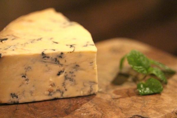 神田65チーズ「Blue Stilton ブルー・スティルトン」