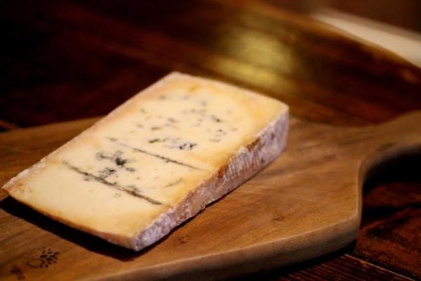 神田65チーズ「ブルー・デ・バスク」