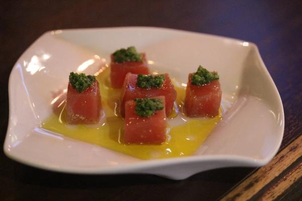 神田65料理「マグロのカルパッチョ・4種のハーブ」