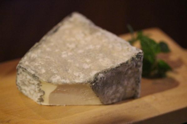 神田チーズ65「Valencay」